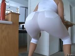 Big Tits Sweetheart Krissy Lynn Stretches Up For A Pussy Masturbation