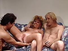Frankie Leigh, Lauryl Canyon, Ona Zee in classic porn clip