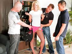 Courtney Taylor & Keni Styles & Bill Bailey & Jenner in Courtney Taylor Unleashed, Scene #04