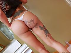 Solo Latina tranny oils up and jerks off her sexy dick