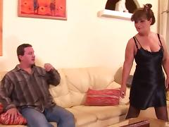Ass rimming mature slut gives him her anus for fucking