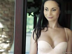 Dark-haired chick falls in love with the cock of her muscular lover