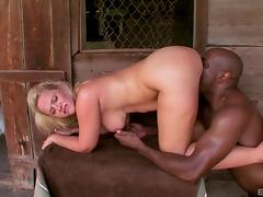 Bootylicious blonde with a dirty mind and the huge black cock