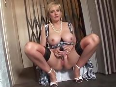 British MILF Caught In The Lift