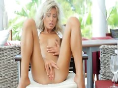 Incredible WOW blond opening her vagina