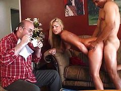 Horny chick squirts everything around