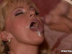 Mature Renata gets ass fucked and facialed in a bedroom