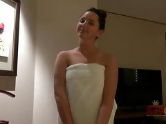 ATKGirlfriends video: Hope Howell again lets you score in Singnapore