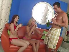 Ashlyn Rae and Niki Wylde share a fat cock in terrific FFM sex clip